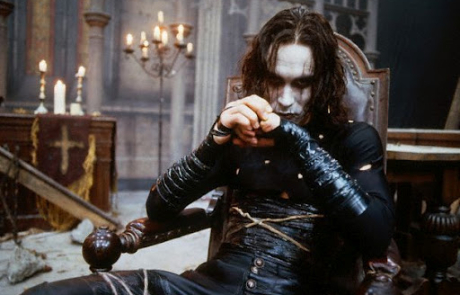 <h3>THE CROW Reboot Comes Back To Life With JASON MOMOA Set To Star. UPDATE: Production Start Date</h3>
